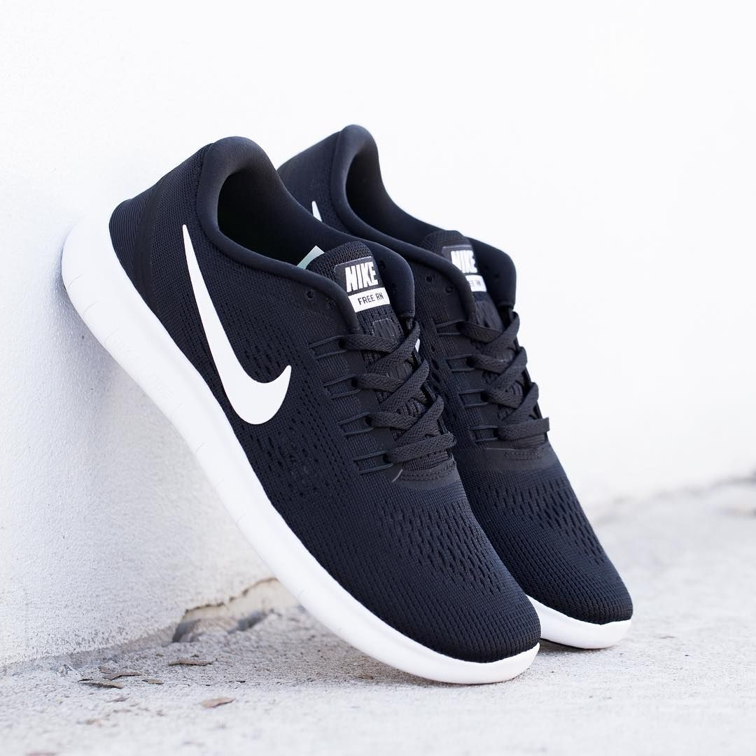 black nikes womens