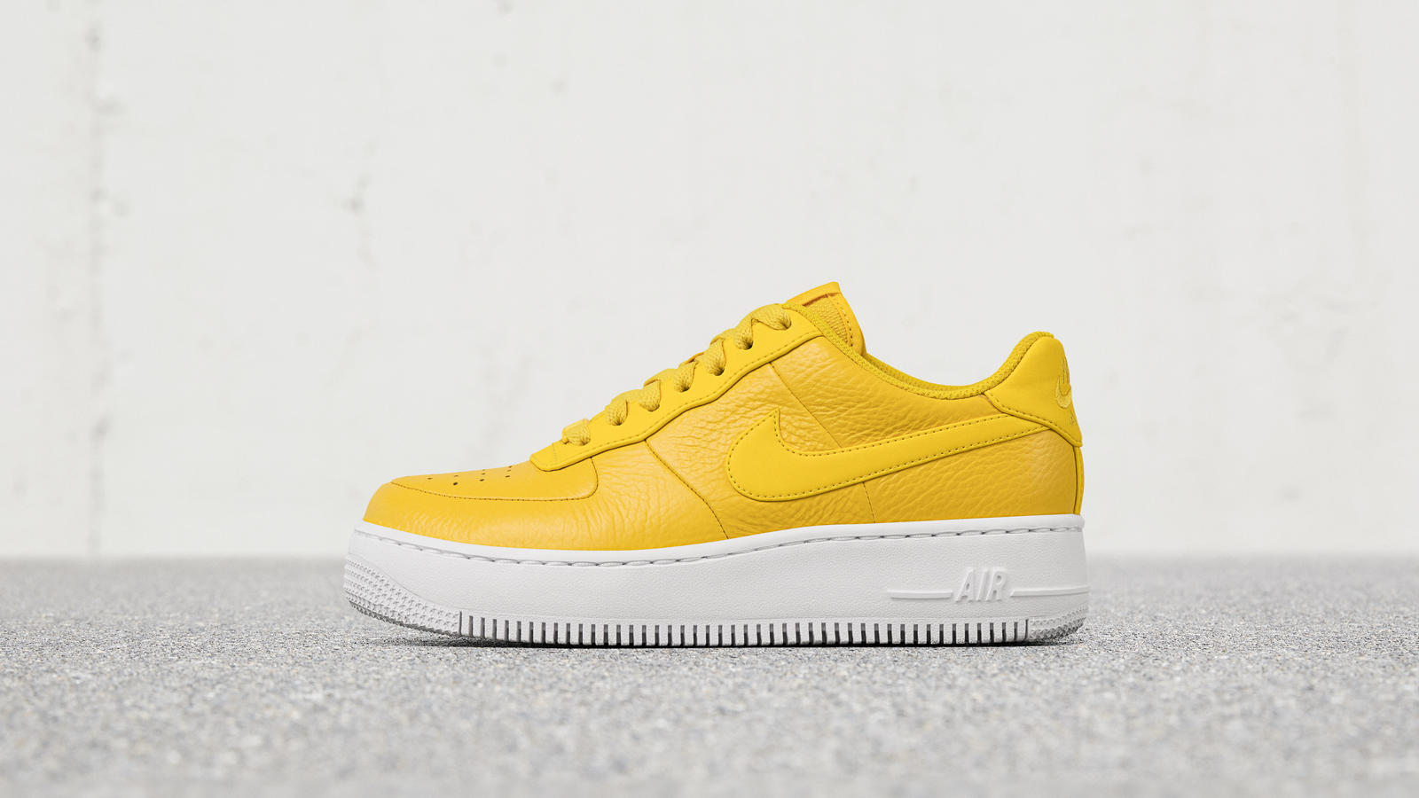 yellow nike shoes